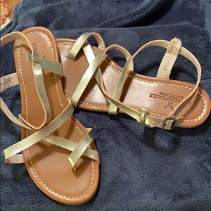 American Eagle strappy sandals. Size 8. NWT